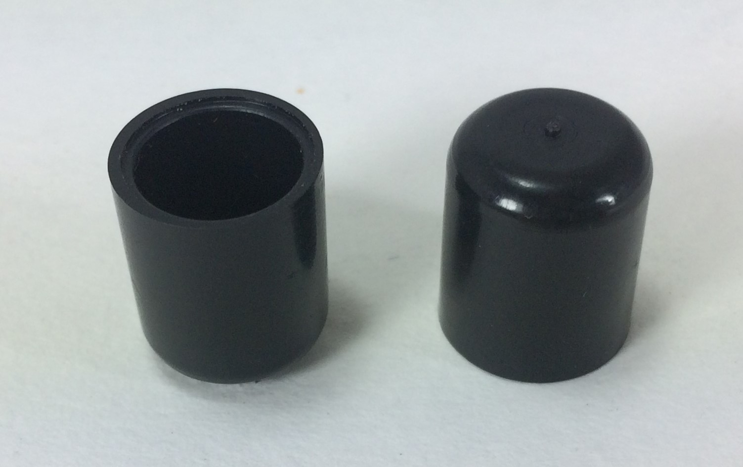 External fit standard round ferrule plastic end